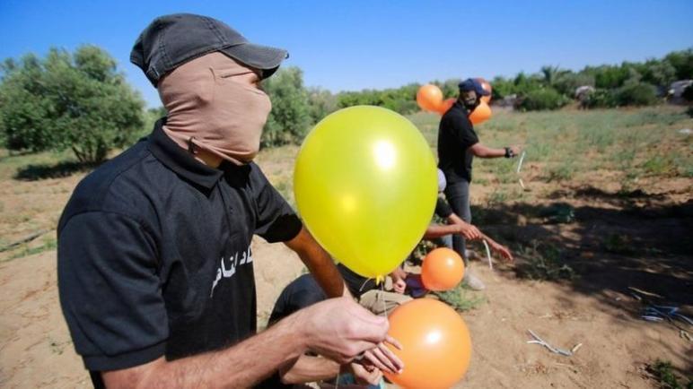 إسرائيل تهدد اليوم مجددا حماس مع استمرار إطلاق بالونات حارقة من القطاع،،، متابعة د. شوقى الفرا