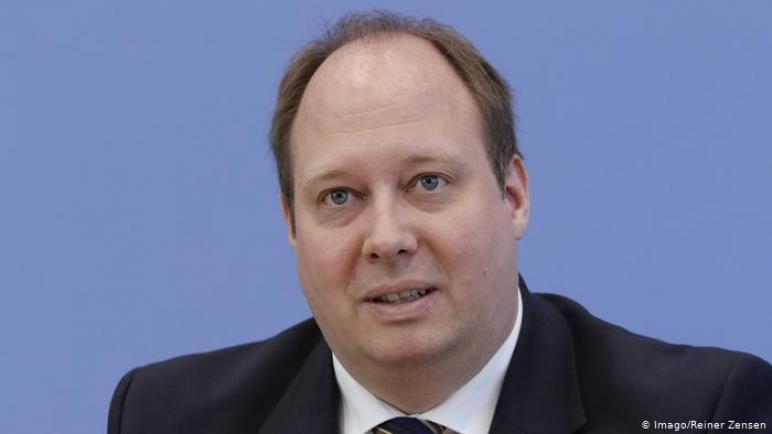 مسؤول ألماني: غير المطعمين ضد كورونا سيواجهون قيودا في الحياة العامة