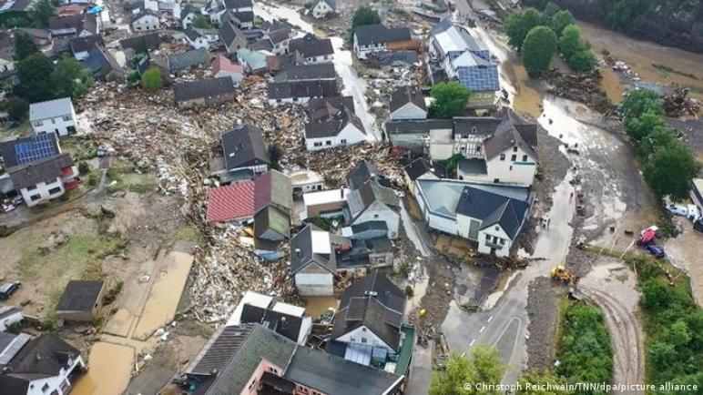 قتلى وعشرات المفقودين جراء فيضانات عارمة غرب ألمانيا