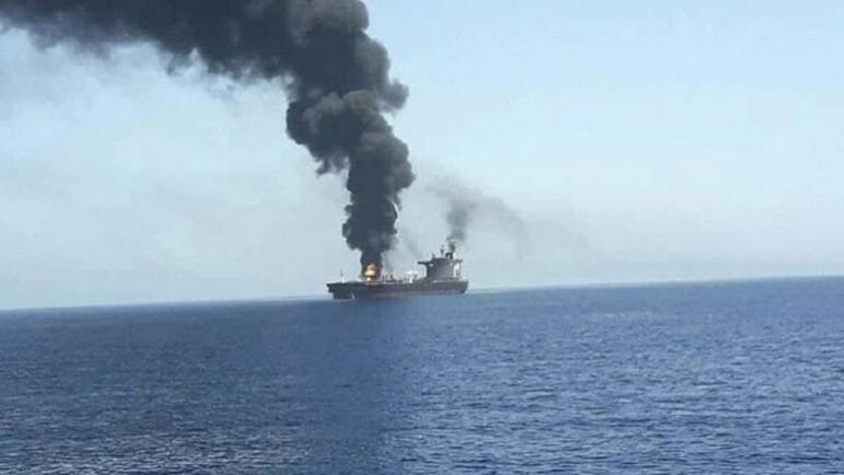 استهداف سفينة إسرائيلية قبالة عُمان وسقوط قتيلين من طاقمها،، متابعة : شوقى الفرا