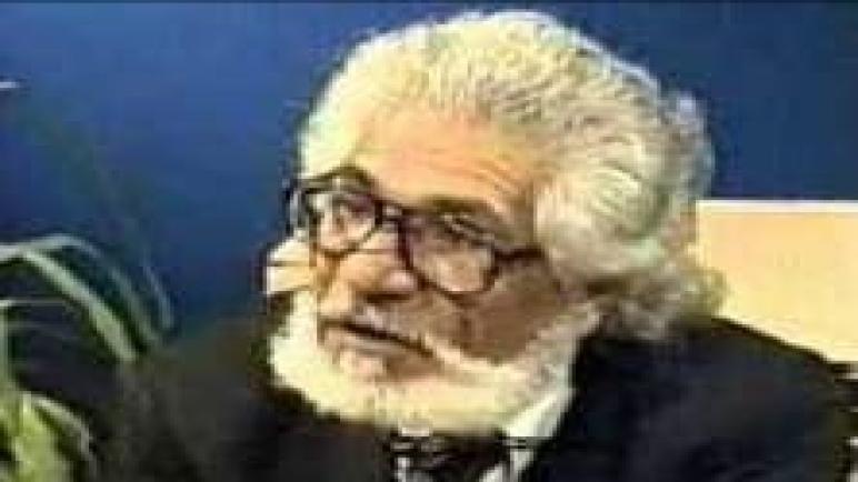 عبد اللطيف عقل شاعر ينبض بالقصائد