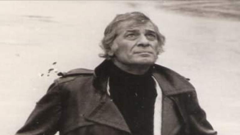 معين بسيسو ماياكوفسكي الشعر الفلسطيني
