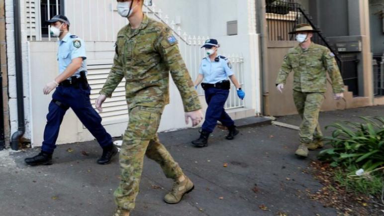 انتشار الجيش الإسترالى فى شوارع سيدنى للإشراف على تطبيق أوامر الإغلاق لاحتواء إرتفاع اصابات كورونا