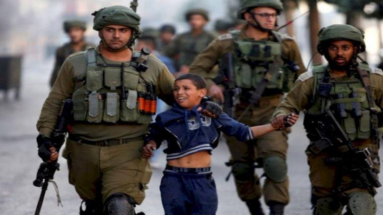 """""""الحركة العالمية"""": الاحتلال ماض في استهداف الأطفال مستغلا عدم المساءلة"""