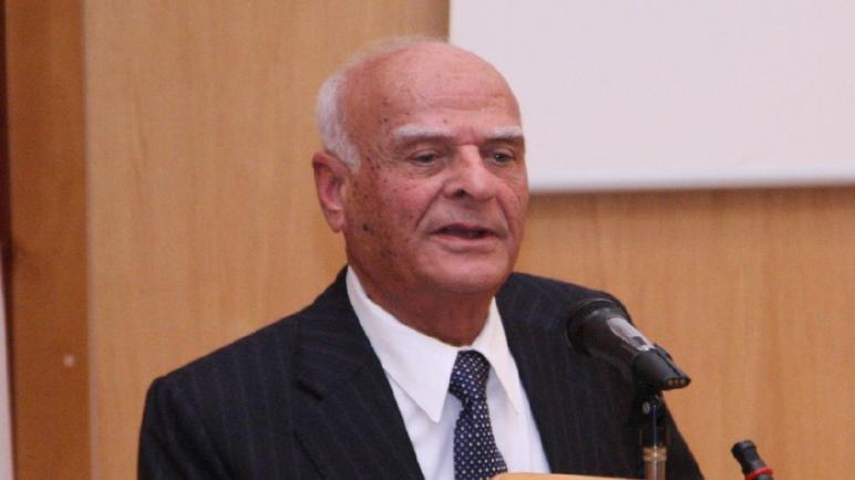 فصة نجاح العالم الفلسطيني علي حسن نايفة